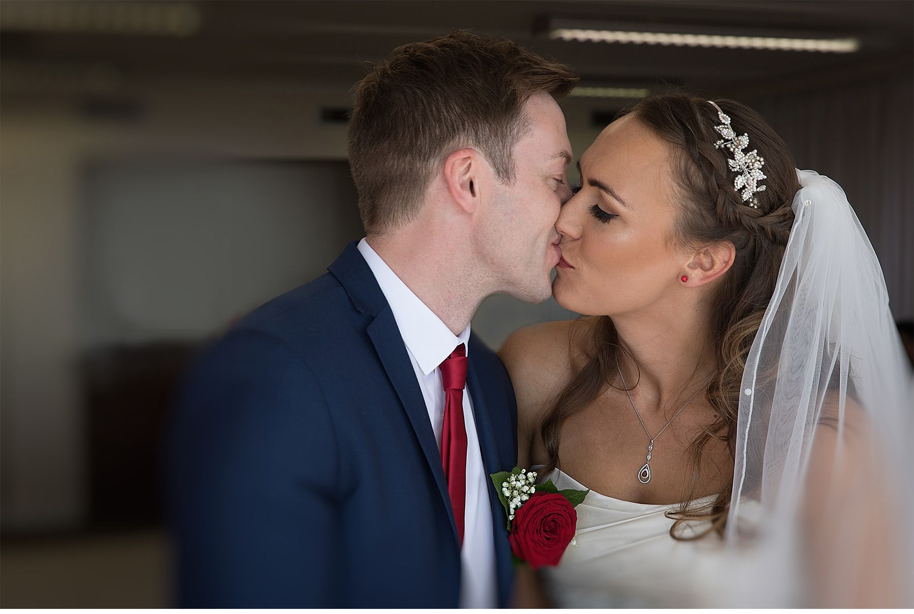 Ashley Barnard Dalmeny Wedding Photographer