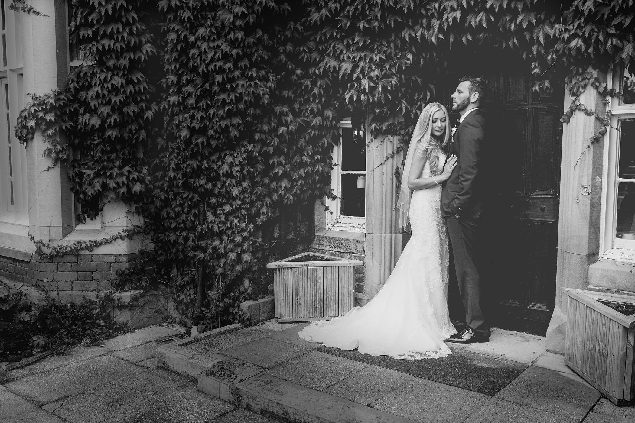 the bride and groom personal wedding photos at the Villa wrea Green