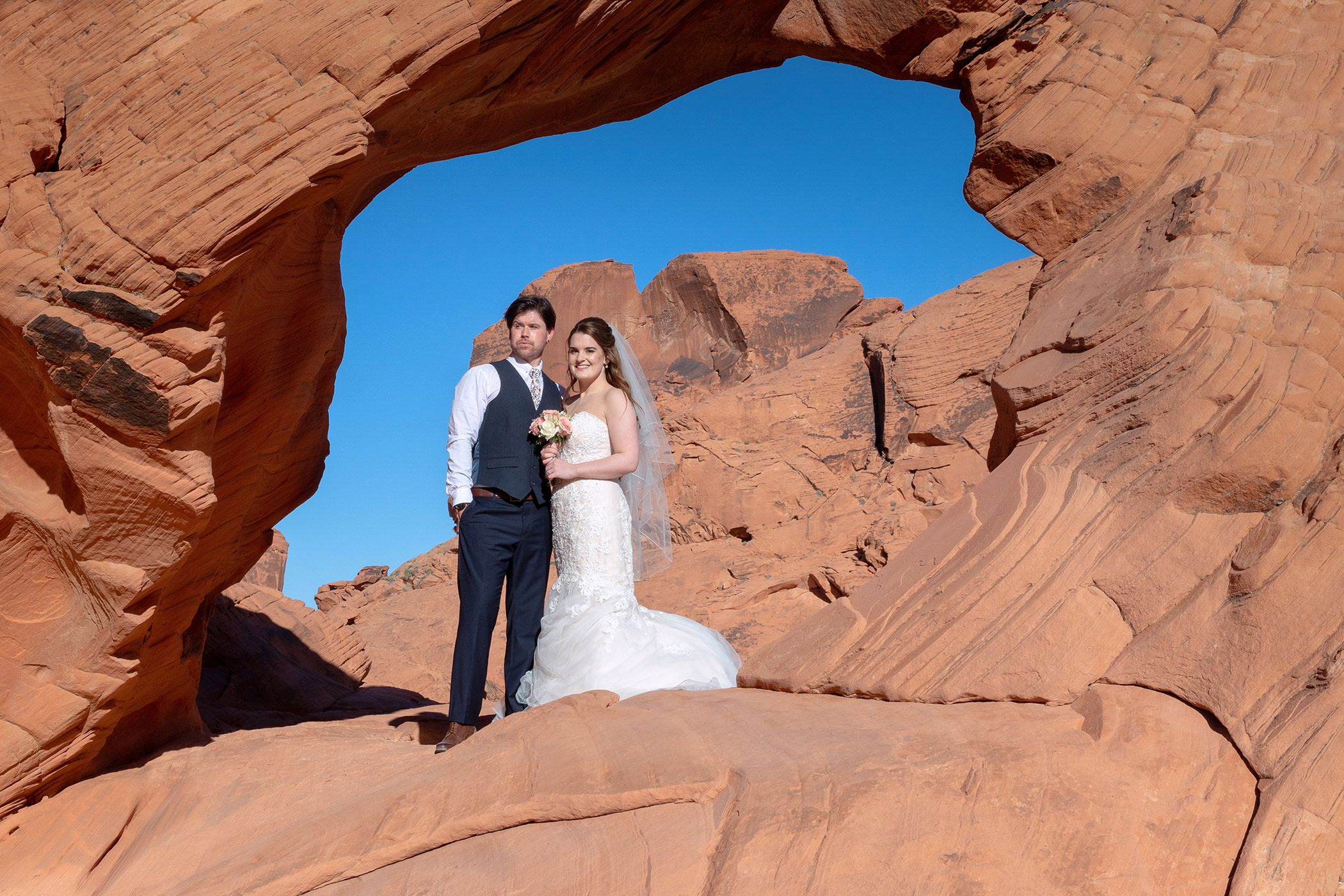 The valley of Fire Wedding at The arch Rock