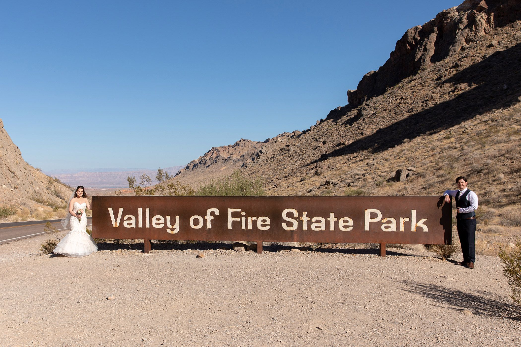 Valley of fire state park wedding photo sign