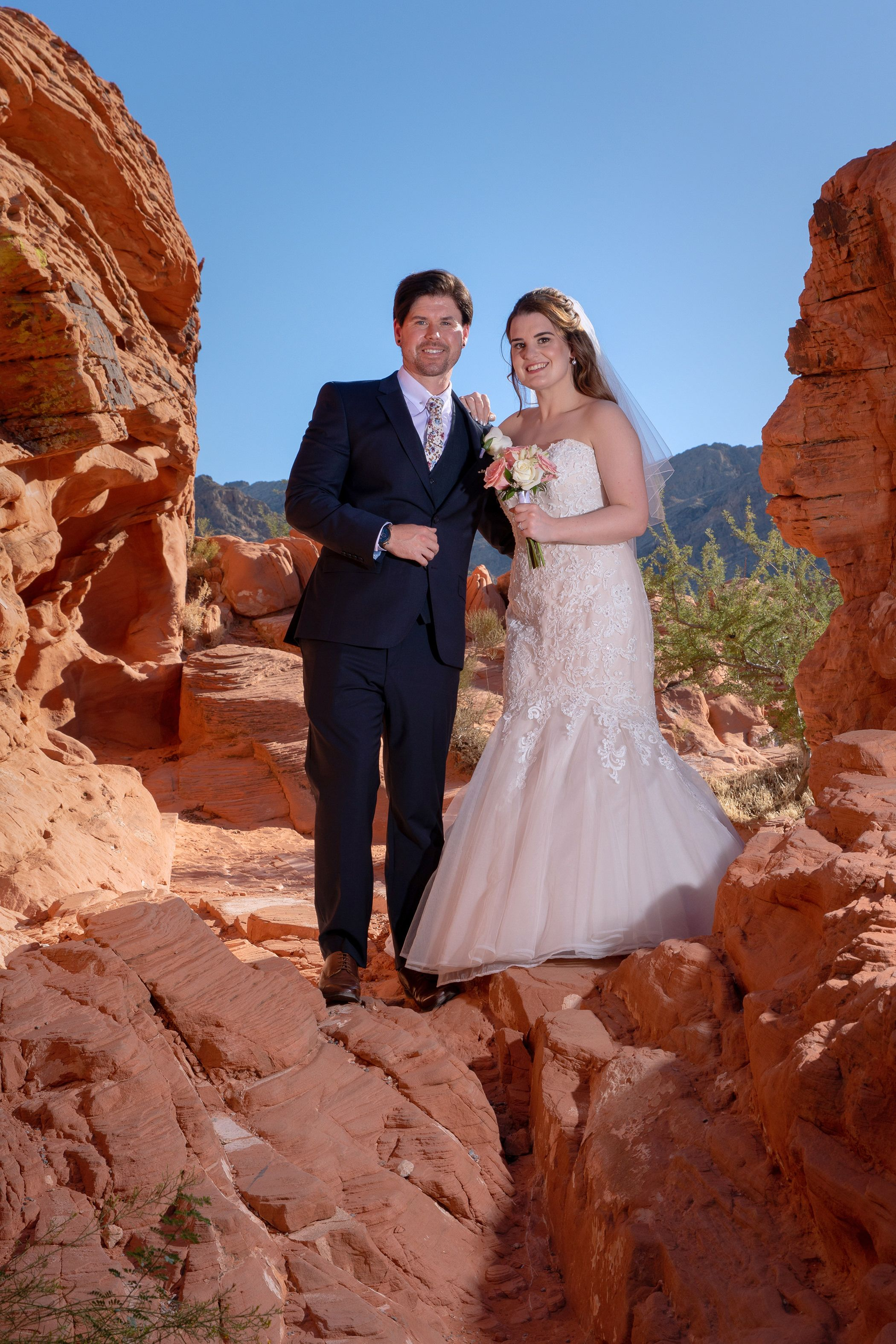 the happy wedding couple in Las Vegas Valley of fire
