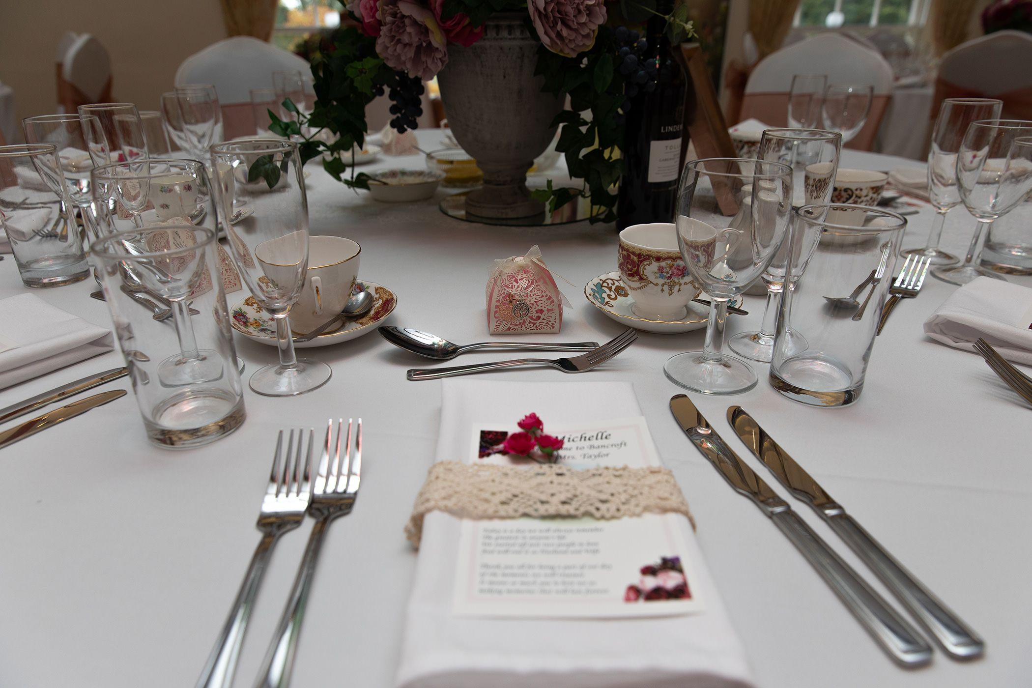 The lovely tableware and decorations