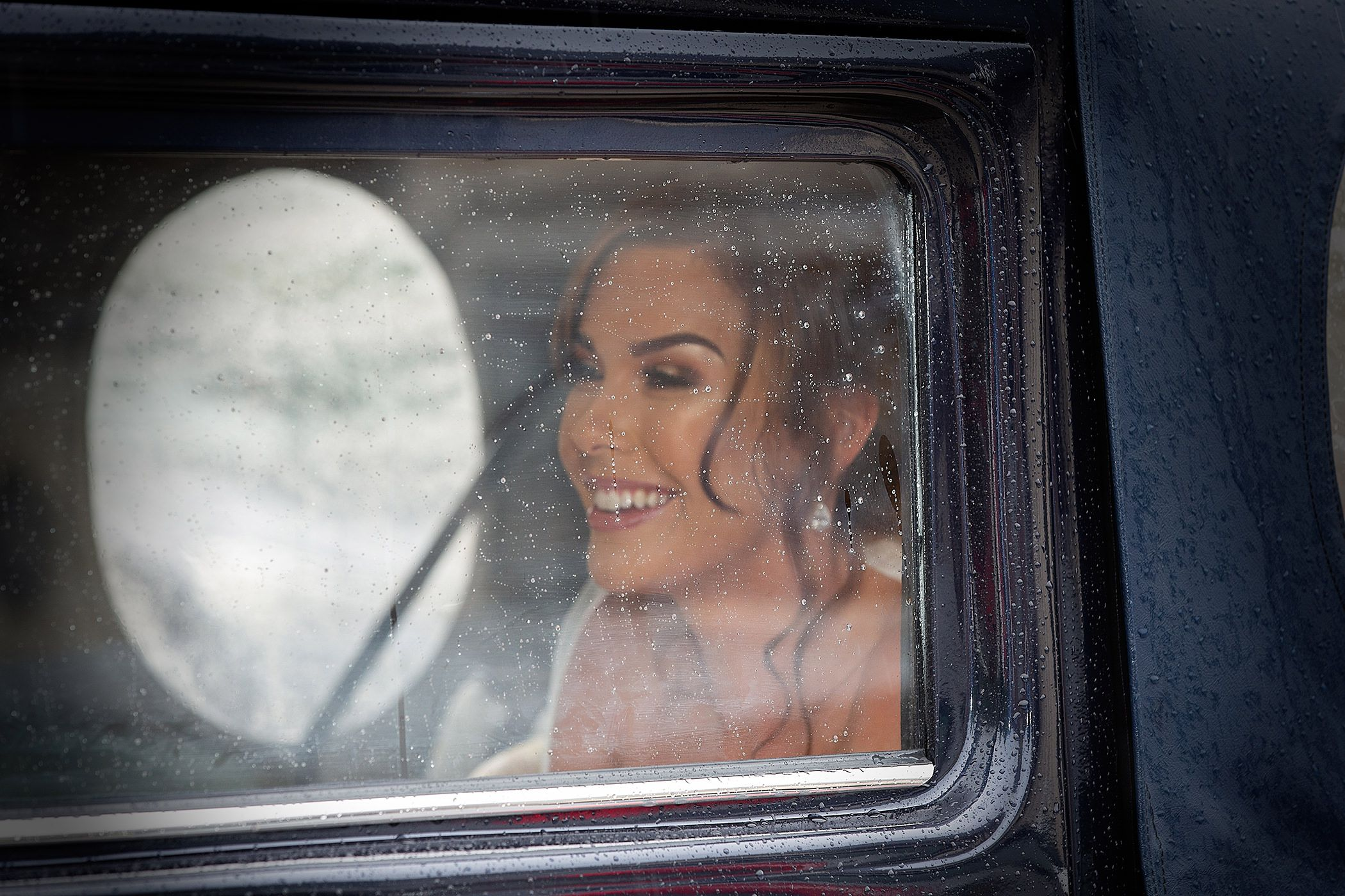 bride arrives in the car